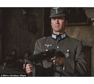 Clint loves his MP40! A side note is that during an amnesty in England the MP40 Eastwood carried in the film was turned into a police station and is now in a museum.